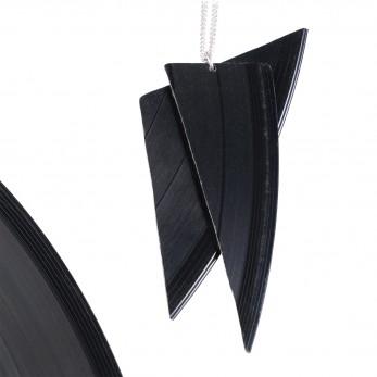 Vinylový náhrdelník - Střepy