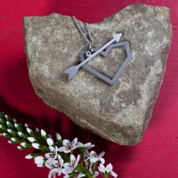 Ocelový náhrdelník Amore